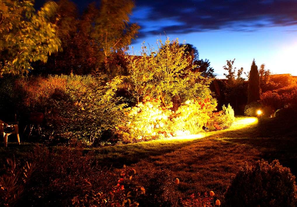 http://serwer1625144.home.pl/OPRAWY/BELIGHT_FOTO_1/30_EKO_E280/21.jpg